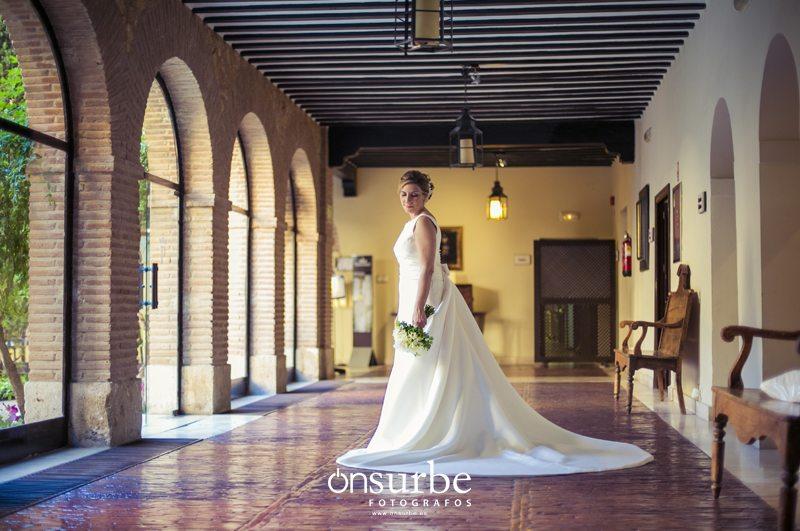 Vestidos-de-novia-Onsurbe-fotógrafos-bodas-Madrid03